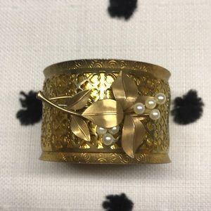 Vintage redo cuff